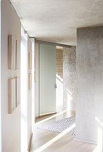 Korridor,Korridore,Flur,Flure,Sonnenstrahl,Eingangshalle,modern