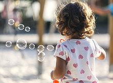 Seife,Rückansicht,klein,Produktion,Blase,Blasen,Spielplatz,Ansicht,Mädchen