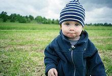 Portrait,Junge - Person,Mütze,Kleidung,Streifen