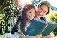 Buch,Tochter,Taschenbuch,Mutter - Mensch,vorlesen