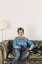 Porträt einer Frau mit ihrem Hund