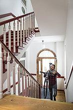 Fahrradträger im Treppenhaus