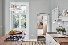 Leere Küche mit Gasherd